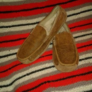 Men's Uggs Ascot slippers size 12